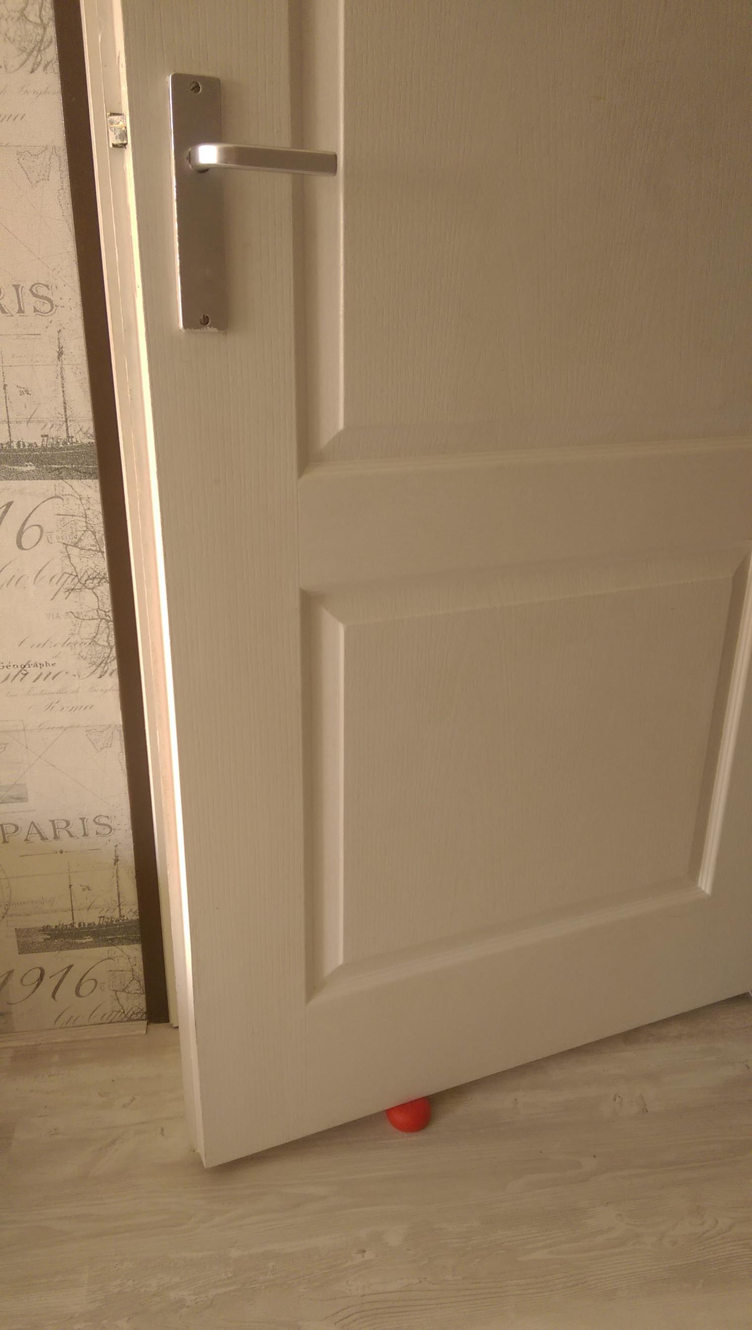 Voetje onder de deur